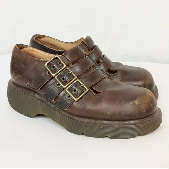 dc6157bae8f9 Vintage Dr. Martens Leather Shoes 5 90s Grunge. Dr. Martens.  M 5be782a1a31c33b472b55ba9. M 5be783d29539f742fb5c3fd1.  M 5be783309fe486df01fdd305